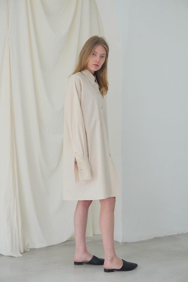 [예약배송] OVER CUFFS LONG SHIRT - CREAM