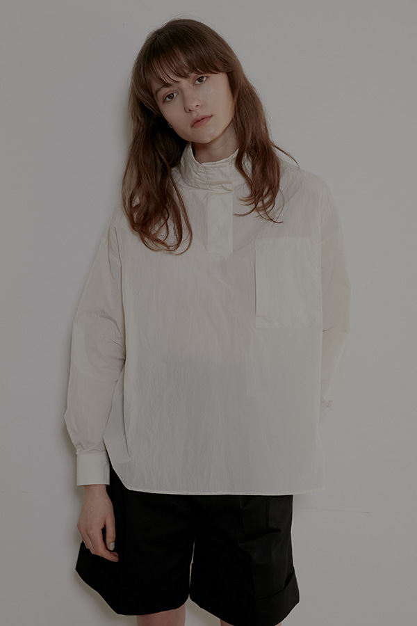 HIGH NECK PULLOVER SHIRT - CREAM